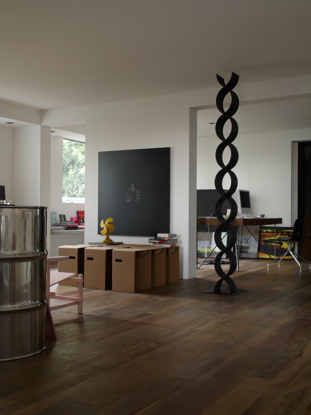 Houssein flat by Triptyque 17