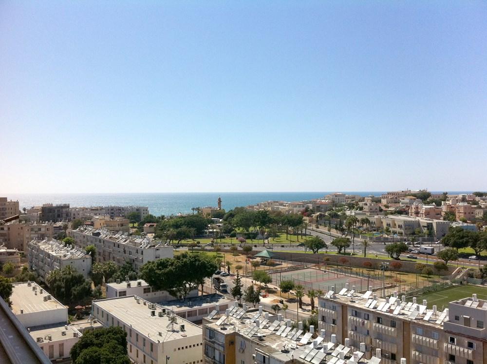 Loft above Jaffa by Henkin Shavit Architecture & Design 13