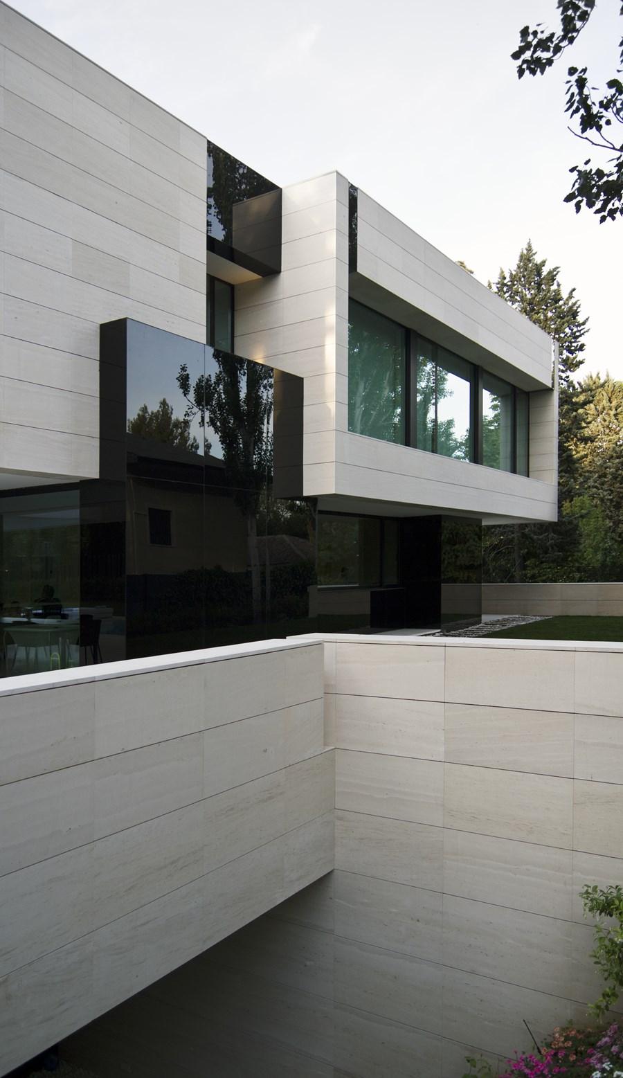 Park House by  A-cero 21