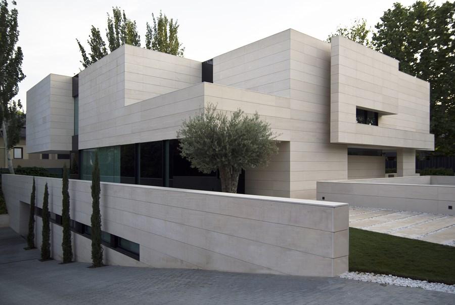Park House by  A-cero 22