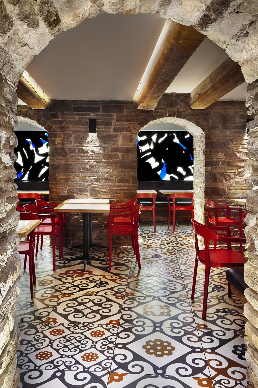 Refin tiles Perfect Accent for Gaudi-inspired Restaurant 03