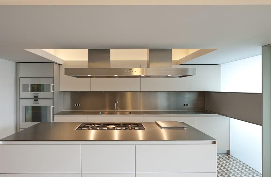 Rehabilitation of an apartment by Correia Ragazzi Arquitectos 06