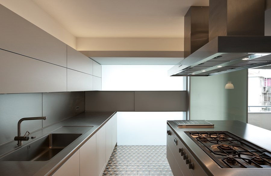 Rehabilitation of an apartment by Correia Ragazzi Arquitectos 08