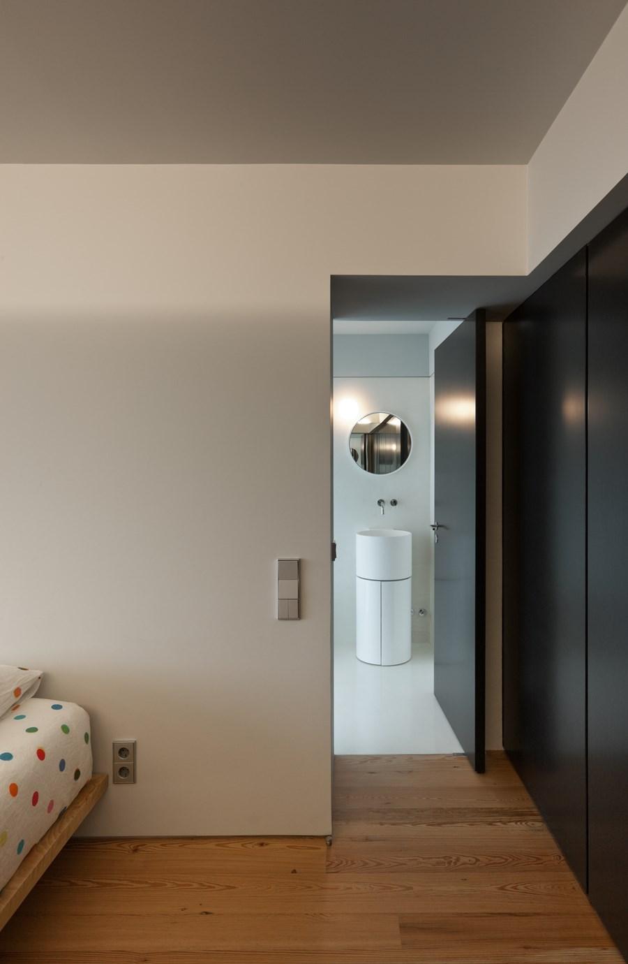 Rehabilitation of an apartment by Correia Ragazzi Arquitectos 22