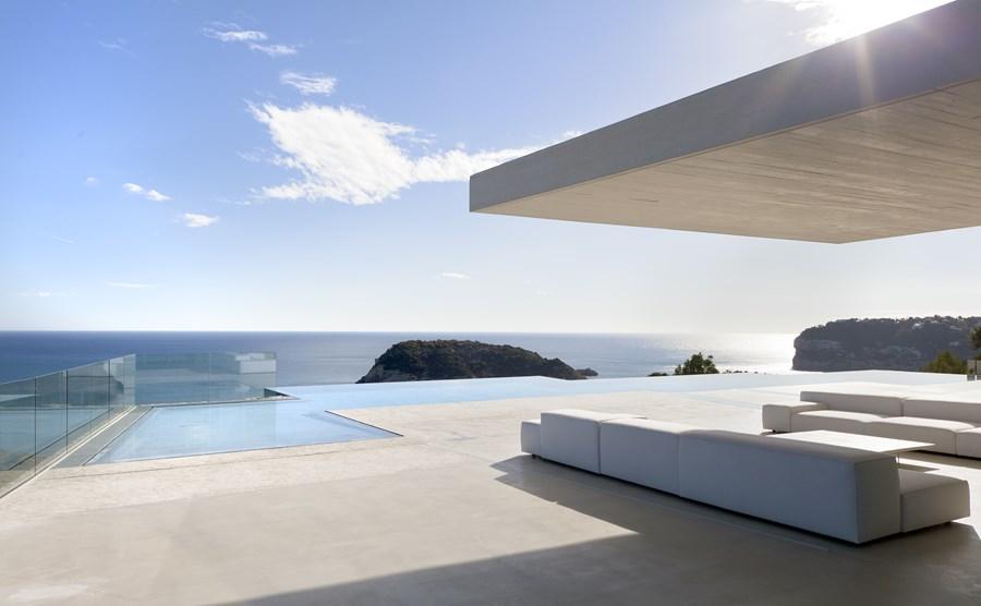 Sardinera House by Ramon Esteve 04