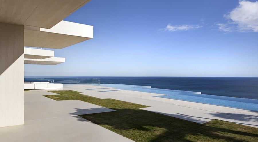 Sardinera House by Ramon Esteve 07