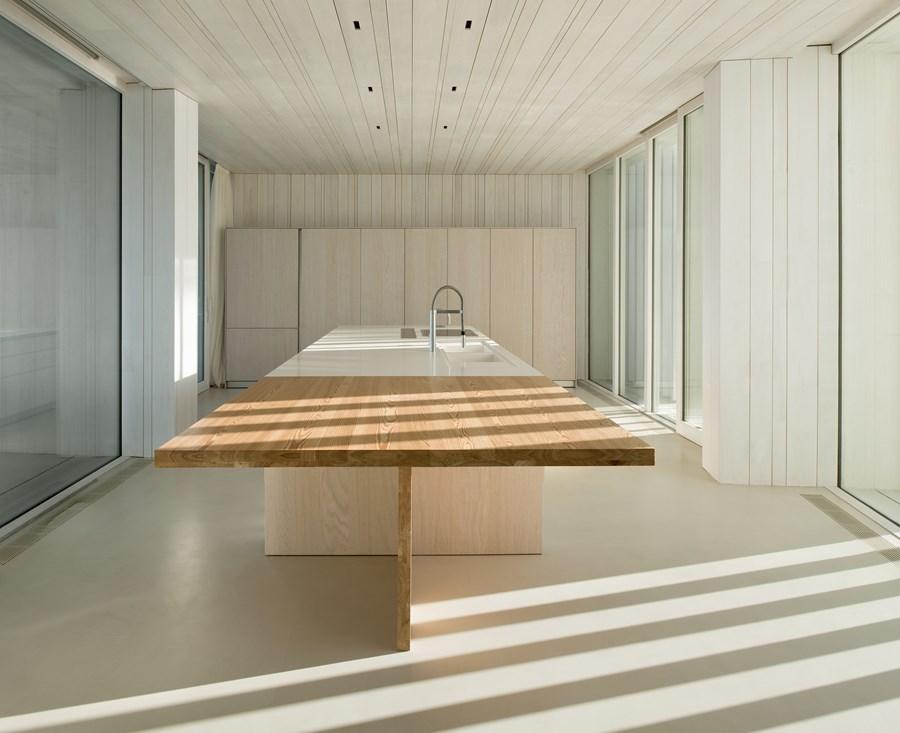 Sardinera House by Ramon Esteve 14