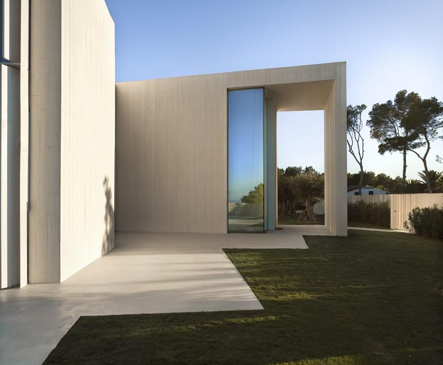 Sardinera House by Ramon Esteve 25