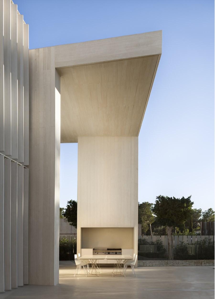 Sardinera House by Ramon Esteve 26