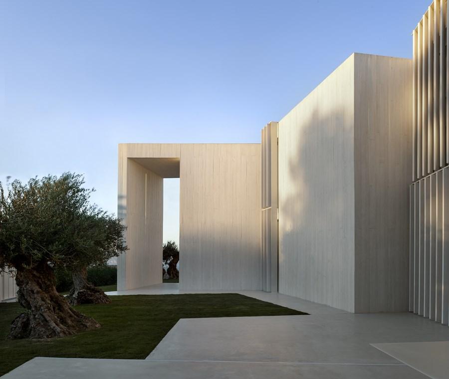 Sardinera House by Ramon Esteve 27