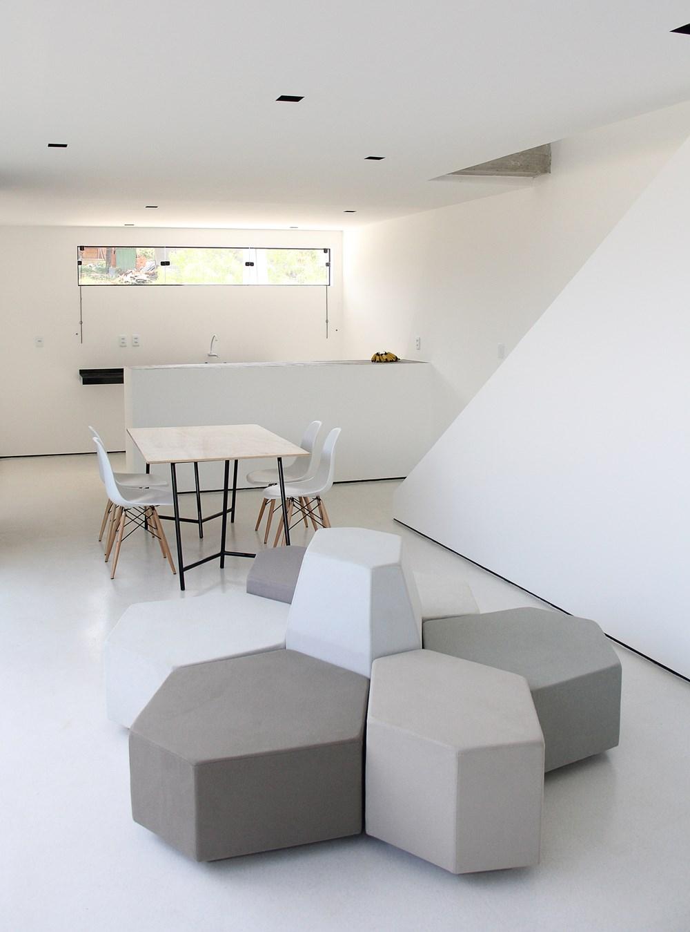 Sorocaba House by ESTUDIO BRA 09