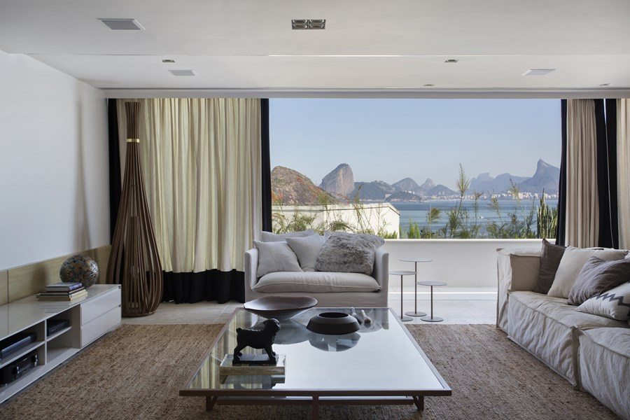 The PI Penthouse by Paula Martins Arquitetura 02