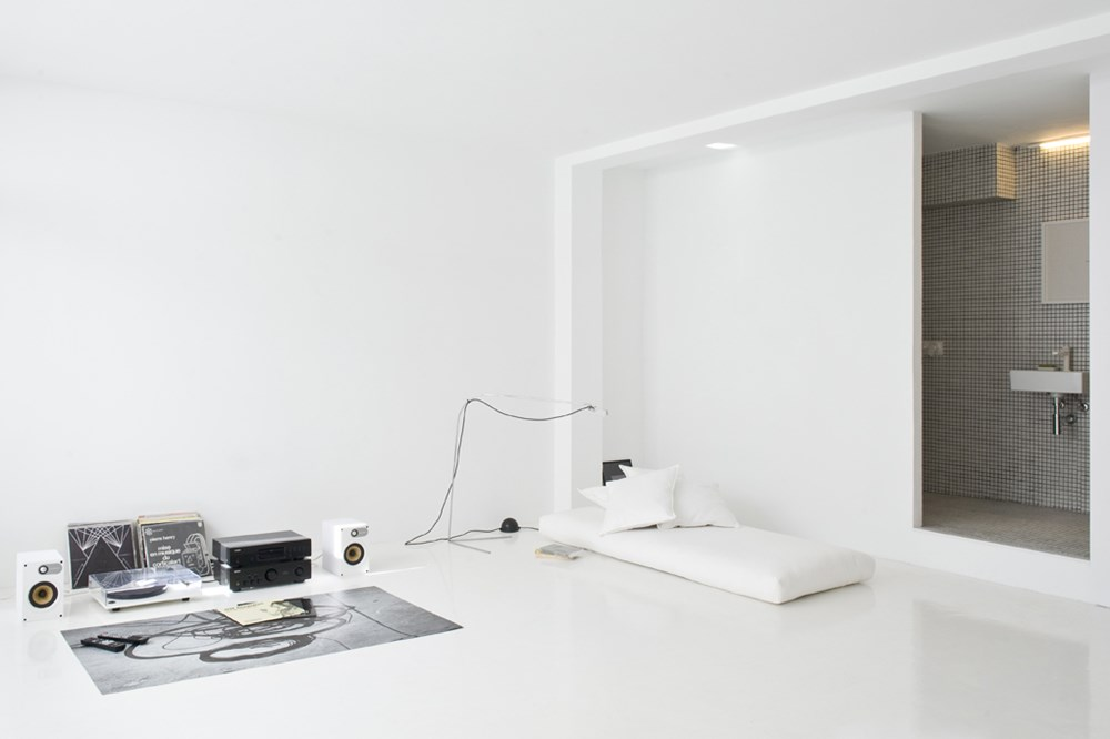 The White Retreat by Colombo and Serboli Architecture 02