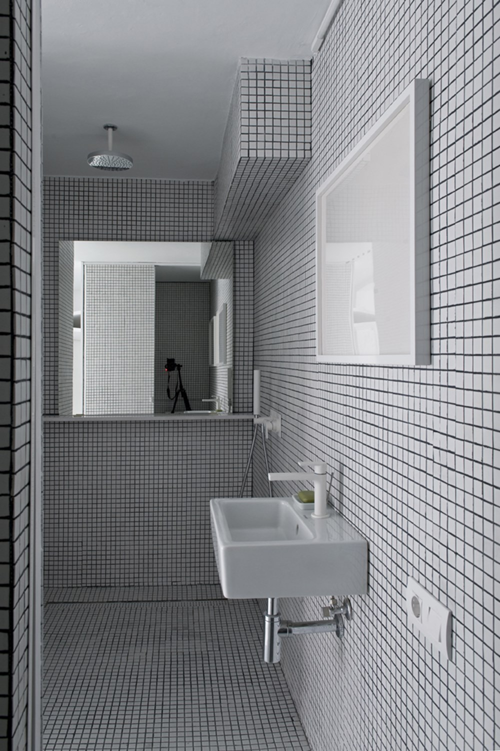 The White Retreat by Colombo and Serboli Architecture 20