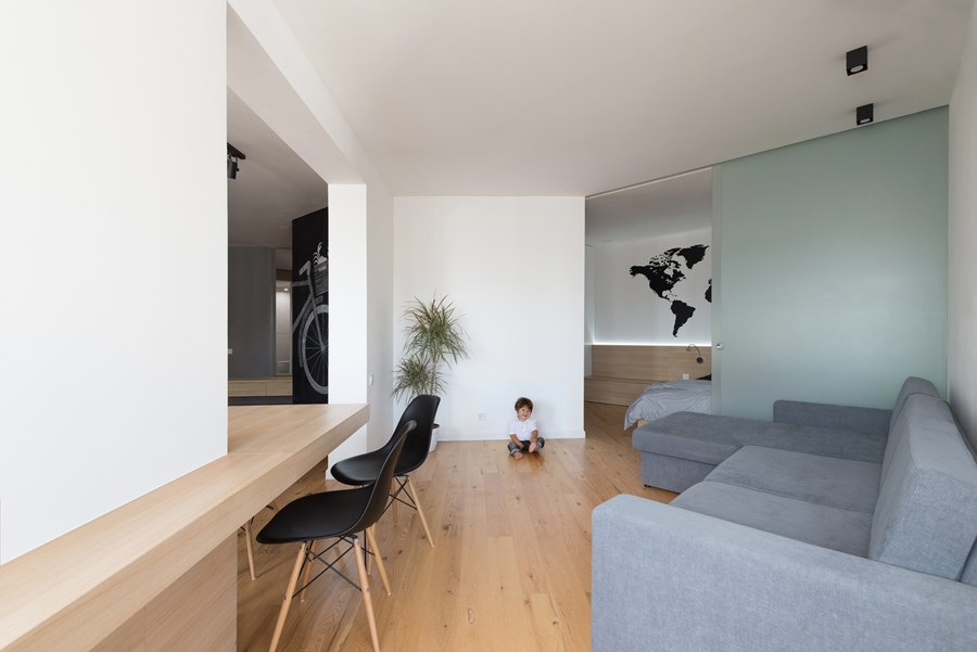Apartment with a map by Lugerin Architects 02