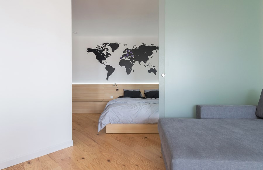 Apartment with a map by Lugerin Architects 04