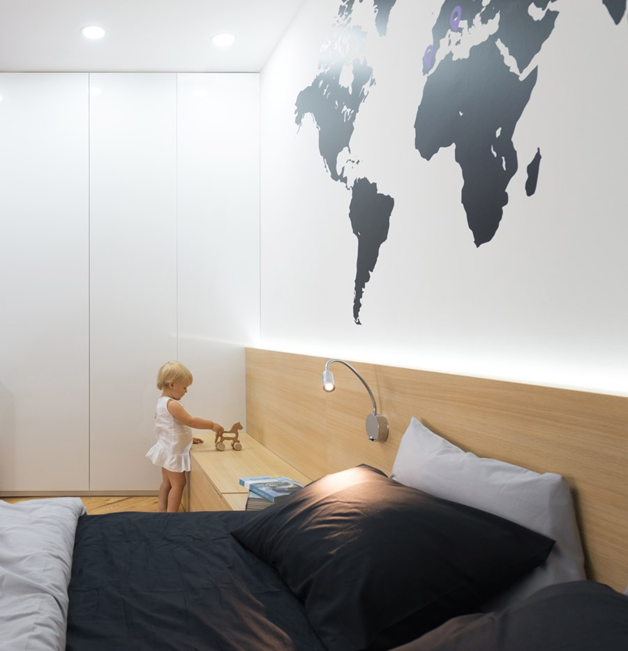 Apartment with a map by Lugerin Architects 07