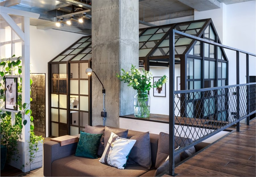 Office by Circle Line Interiors 02