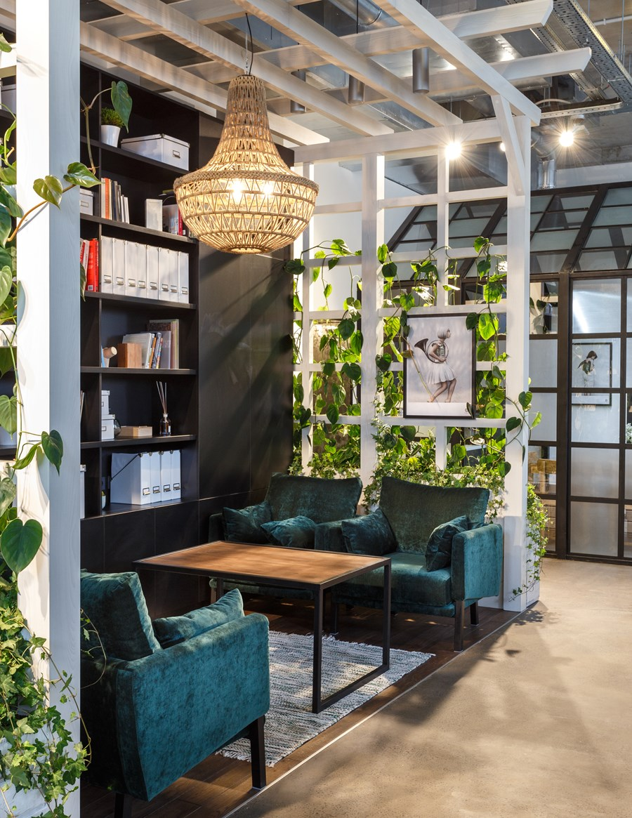 Office by Circle Line Interiors 04