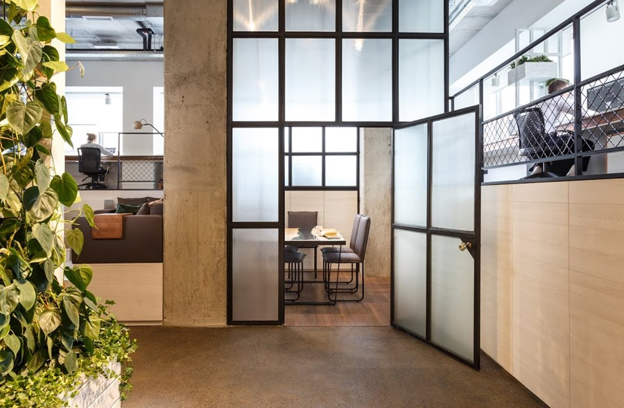 Office by Circle Line Interiors 06