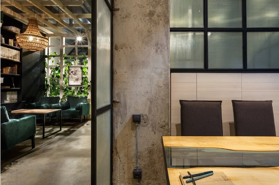 Office by Circle Line Interiors 14