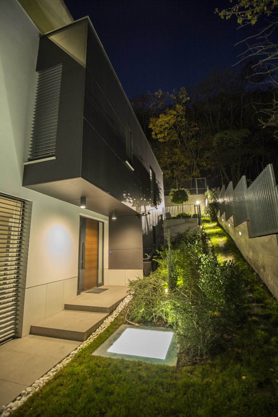 White cube house by ARX Architect Studio Hungary 05