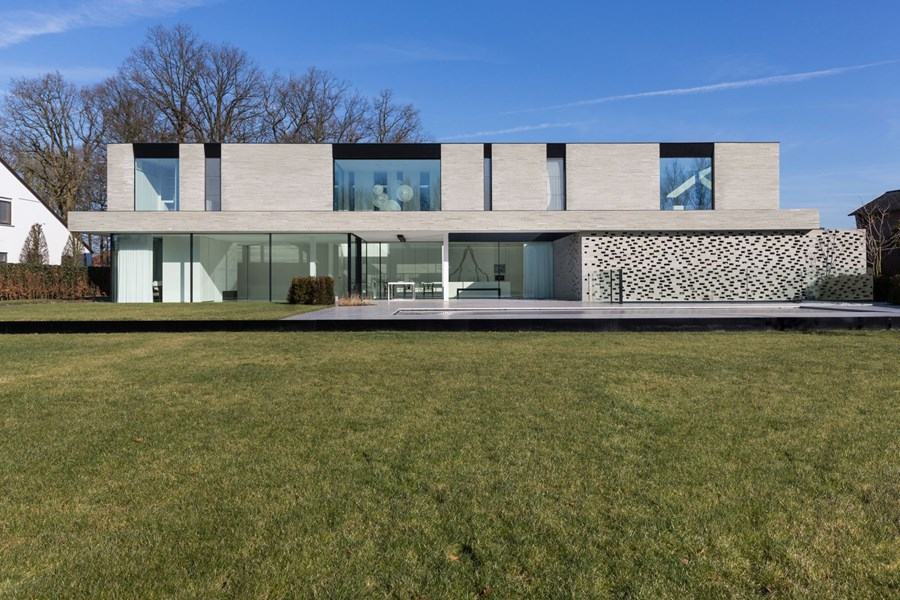 House B Hasselt by UAU collectiv 01