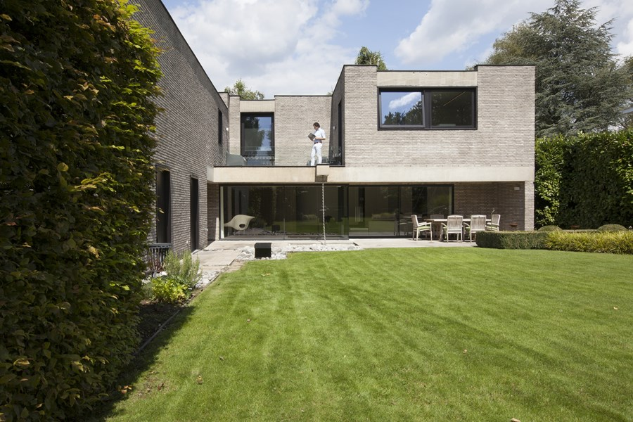 House N Hasselt by UAU collectiv 01