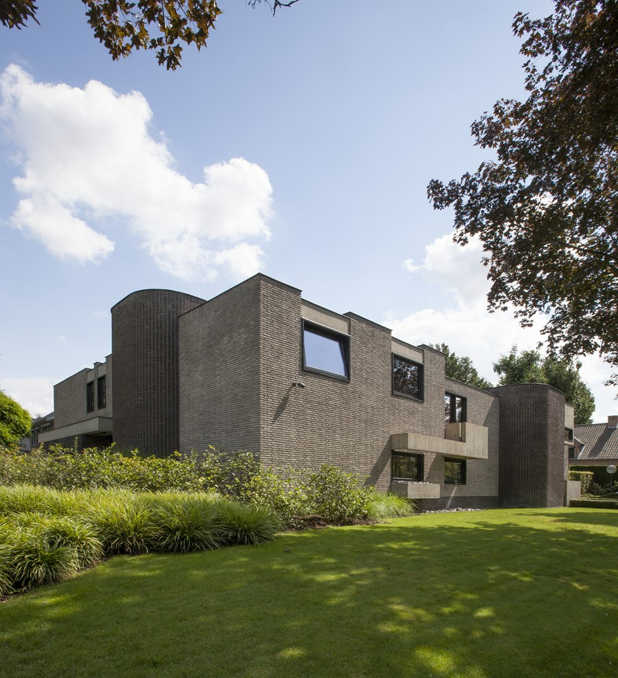 House N Hasselt by UAU collectiv 28
