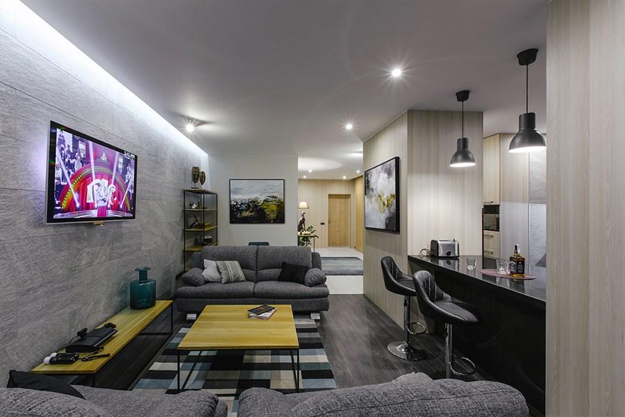 Apartment in Kiev by Andrew Shugan 01