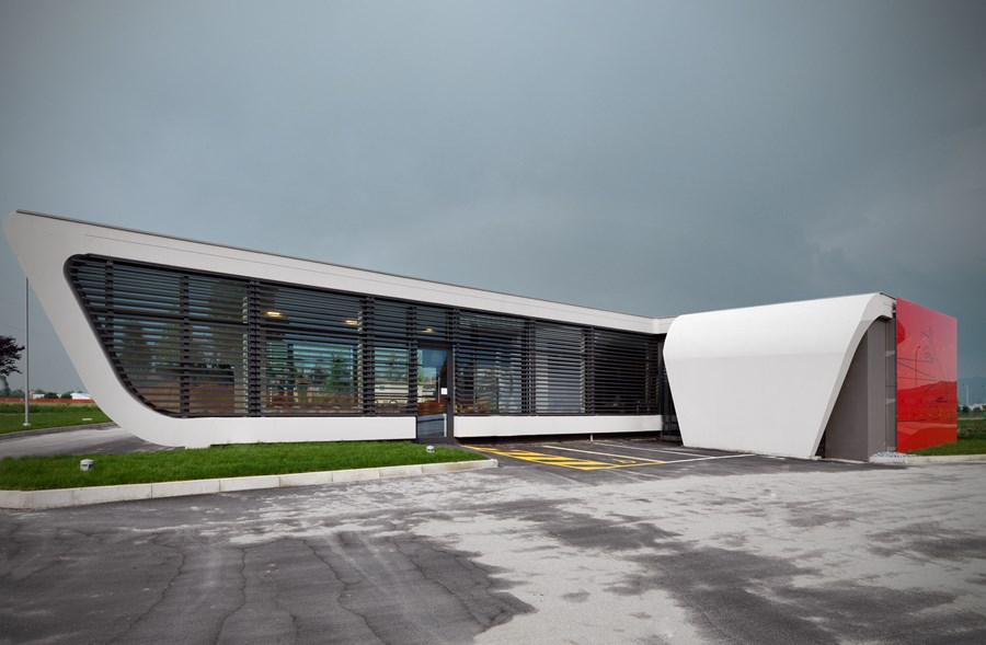 Gazoline Petrol Station by Damilano Studio Architects 01