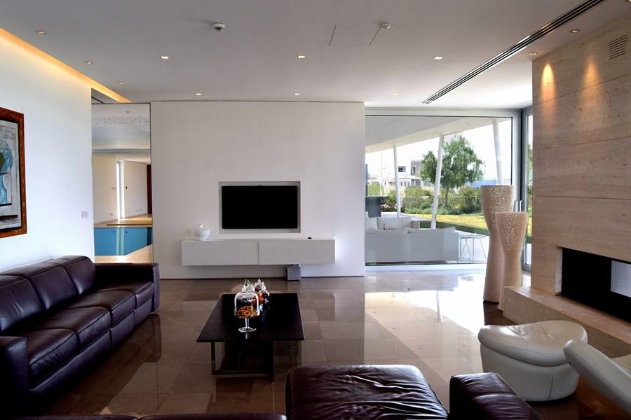 L-House by Christos Pavlou Architecture 02