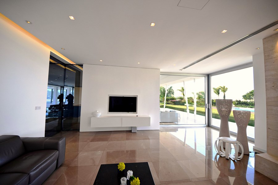 L-House by Christos Pavlou Architecture 11