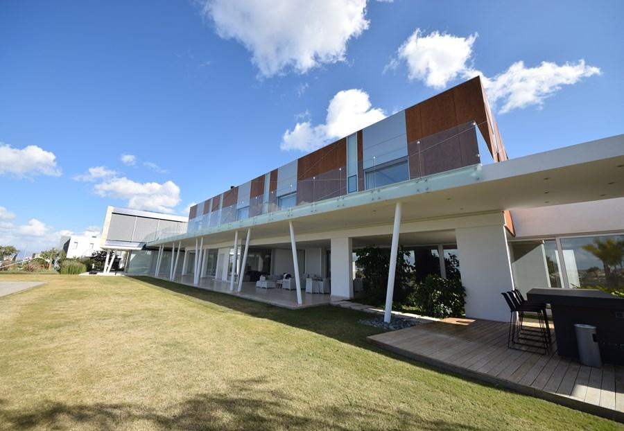 L-House by Christos Pavlou Architecture 18