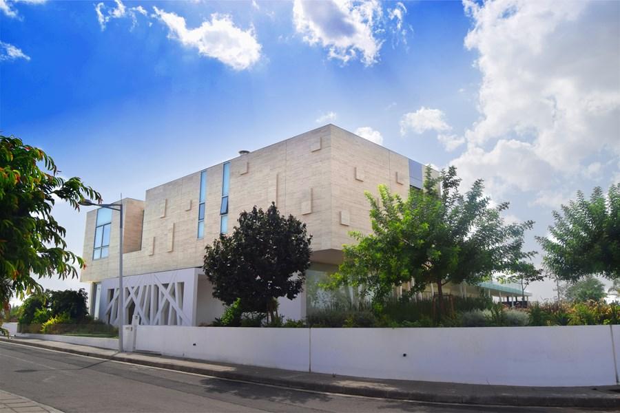 L-House by Christos Pavlou Architecture 22