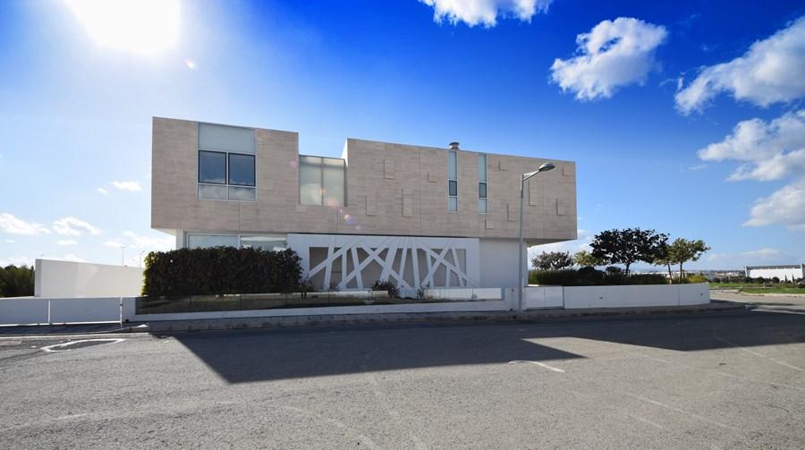 L-House by Christos Pavlou Architecture 23