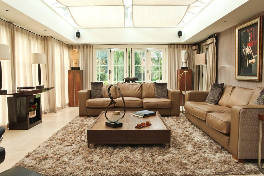 . Stoneleigh Contemporary Country House by Peter Staunton 01   MyHouseIdea