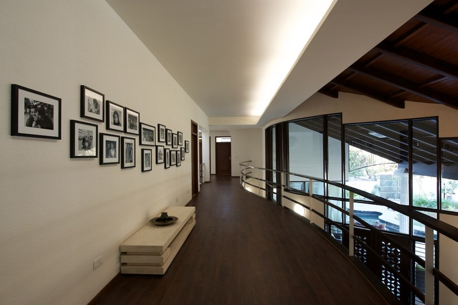The Curved Wall House by SAK Designs 08