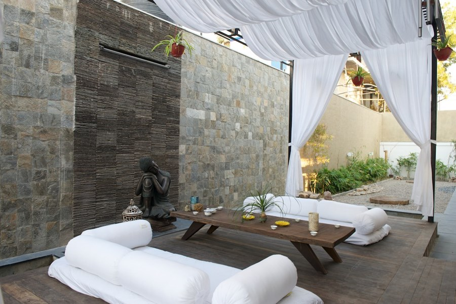 The Curved Wall House by SAK Designs 20