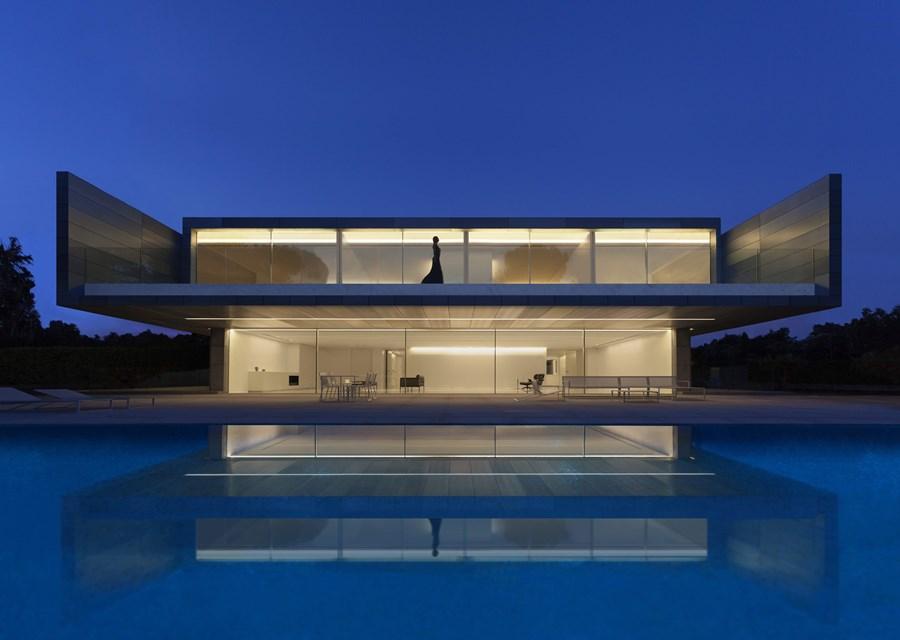 Aluminium House by Fran Silvestre Arquitectos 01