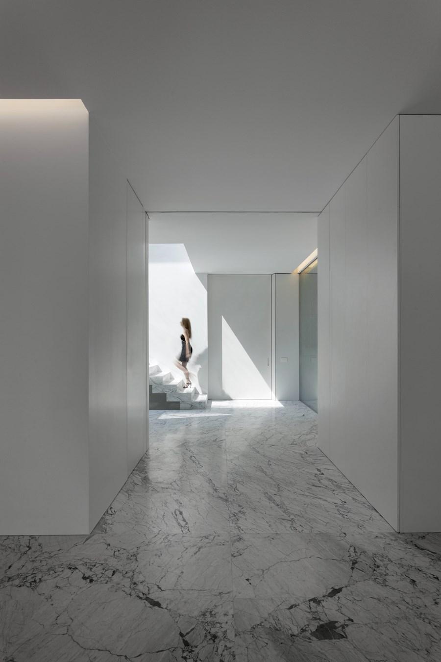 Aluminium House by Fran Silvestre Arquitectos 09