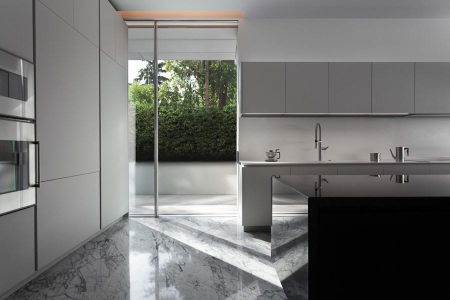 Aluminium House by Fran Silvestre Arquitectos 11