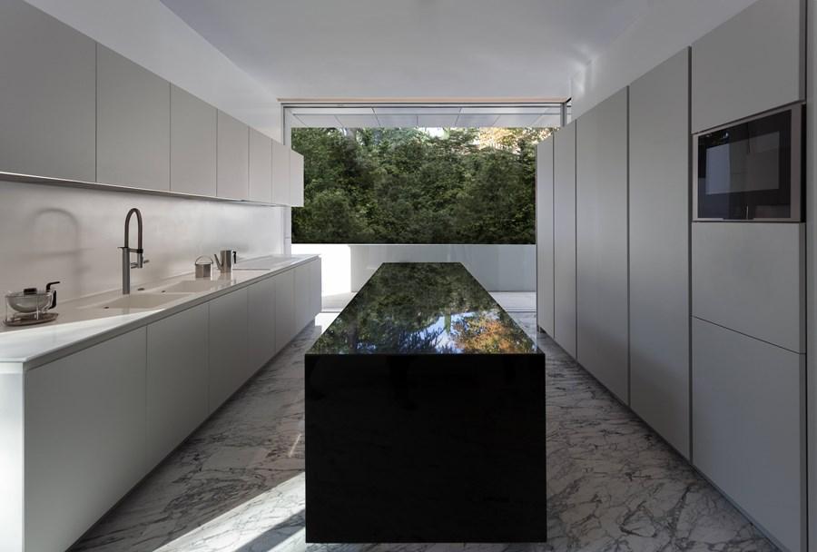 Aluminium House by Fran Silvestre Arquitectos 12