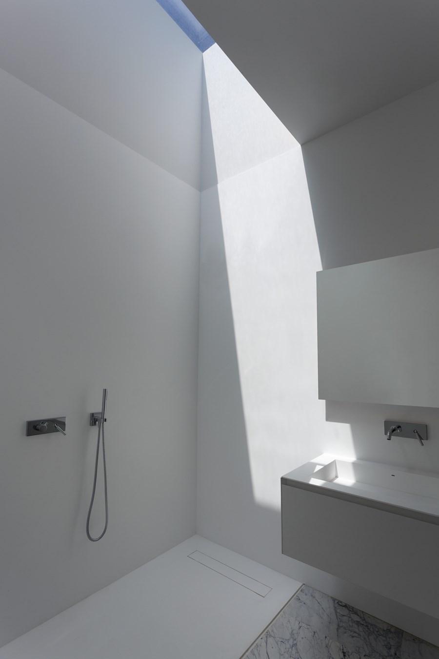 Aluminium House by Fran Silvestre Arquitectos 14