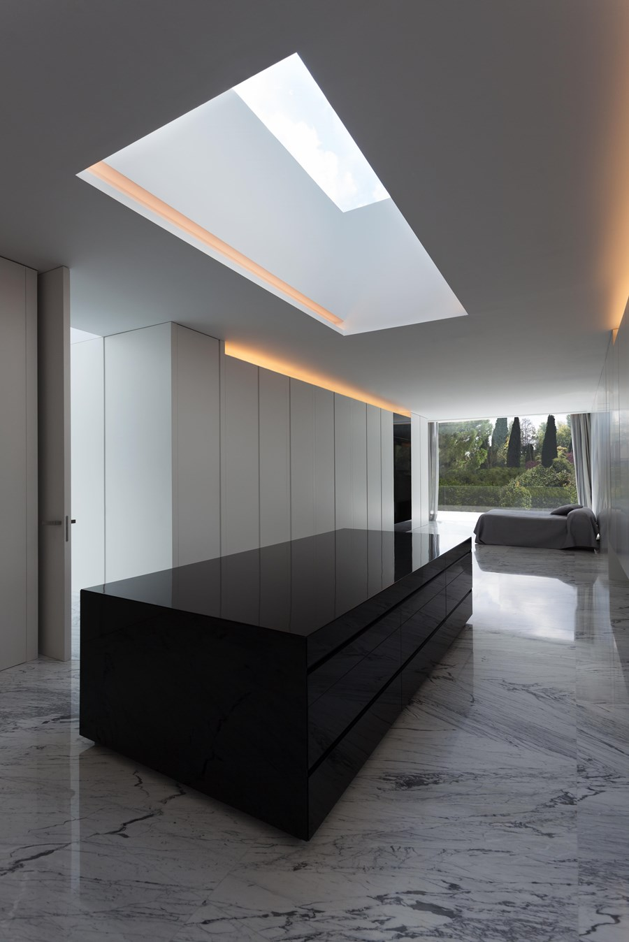 Aluminium House by Fran Silvestre Arquitectos 15