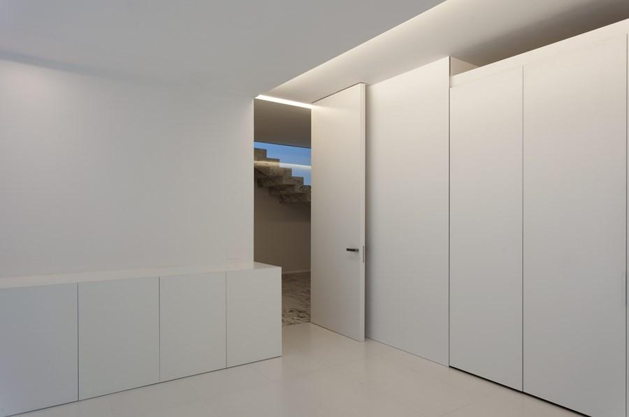 Aluminium House by Fran Silvestre Arquitectos 20