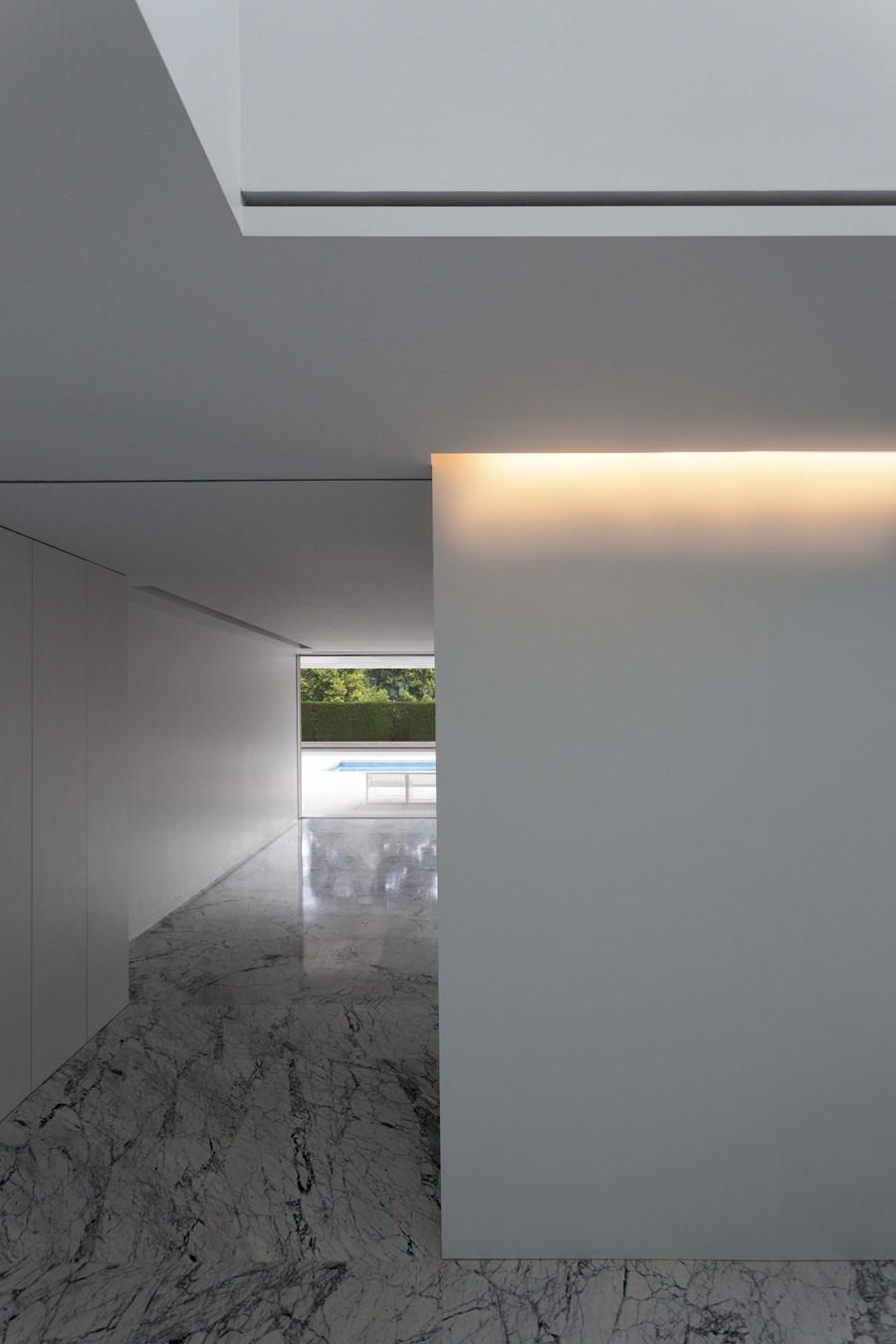 Aluminium House by Fran Silvestre Arquitectos 21