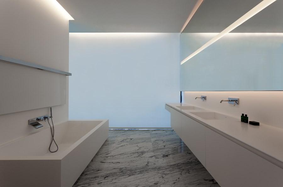 Aluminium House by Fran Silvestre Arquitectos 22