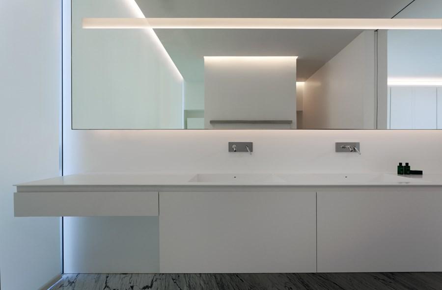 Aluminium House by Fran Silvestre Arquitectos 23
