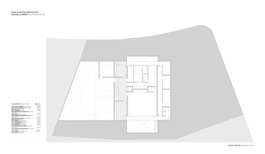 Aluminium House by Fran Silvestre Arquitectos 24